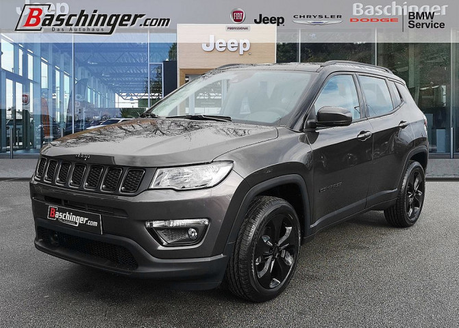 Jeep Compass 1,4 MultiAir2 FWD Night Eagle bei Baschinger Ges.m.b.H. in