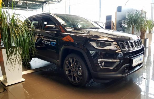 Jetzt neu: Der Jeep Compass 4xe!