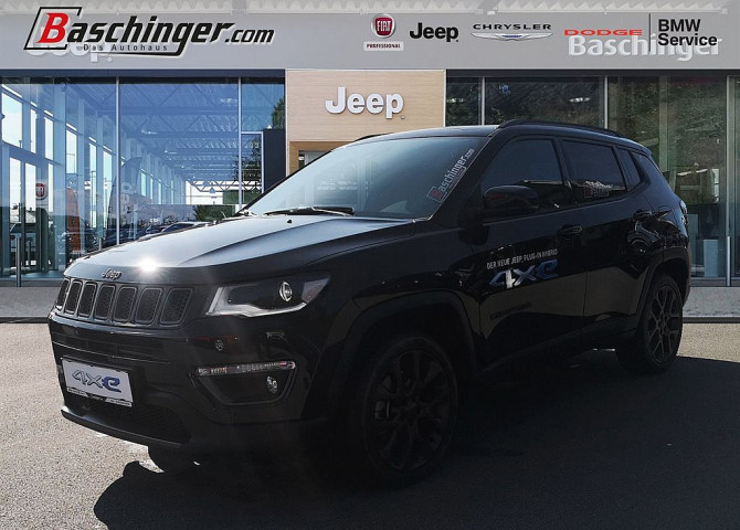 Jeep Compass 1,3 4xe S Hybrid bei Baschinger Ges.m.b.H. in